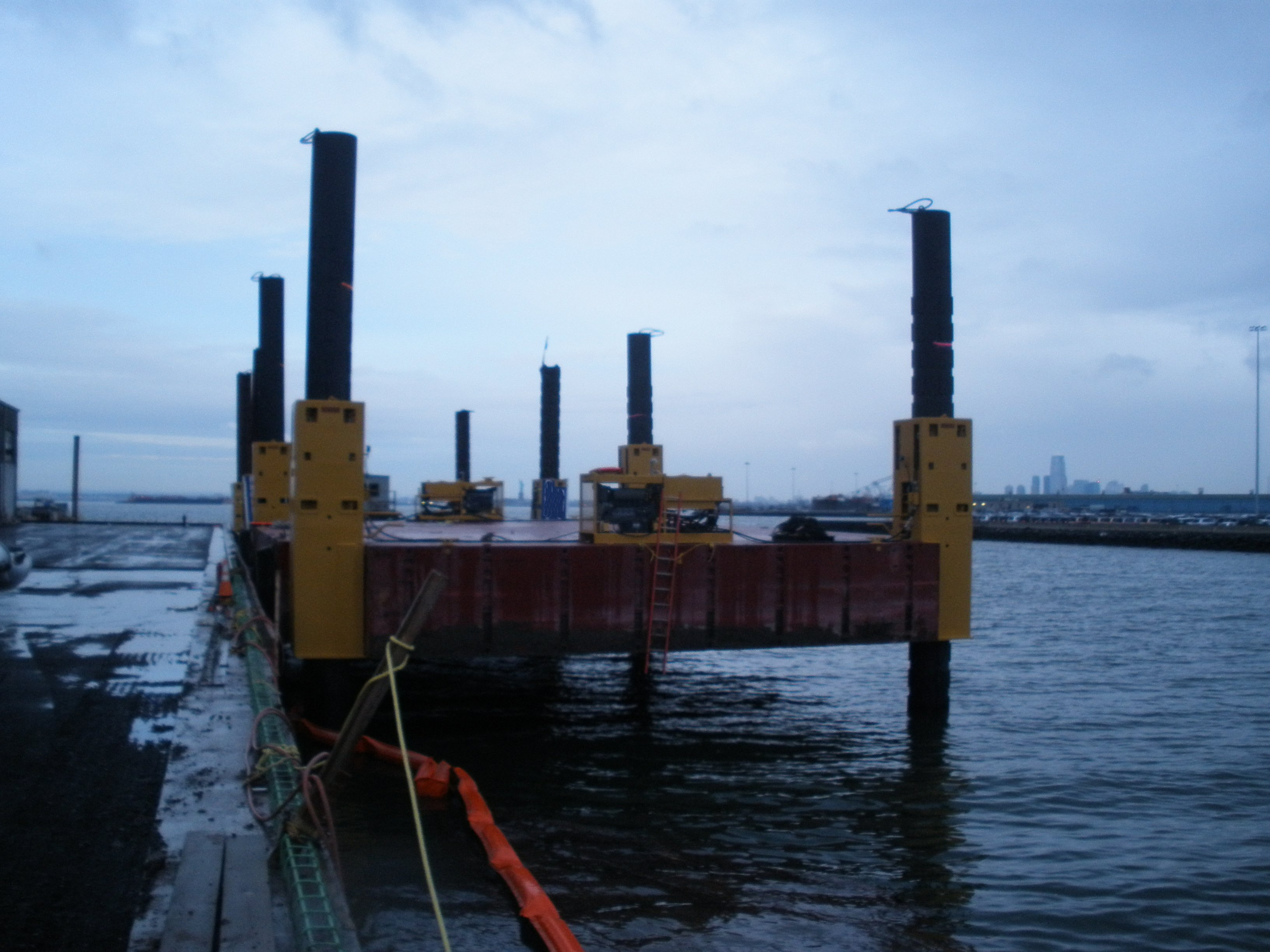 elevating barge